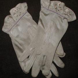 Vintage 1930 Silk Kayser Gloves Flower Embroidered Cuff Gray Lavender Color