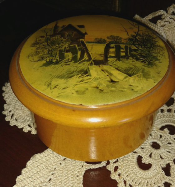 Mauchline Wooden Thread Spool Box Brooks Sewing Cottons Scene On Lid