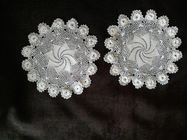 2 Irish Crochet Doily Vintage Table Linens Swirl Crochet Lace Center