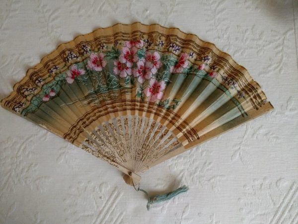 Asian Edwardian 1920s Folding Fan Hand Held Painted Paper Wood Tassel