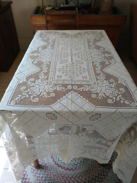 Vintage 1920s Knotted Tablecloth Art Deco Filet Lacis White Cotton