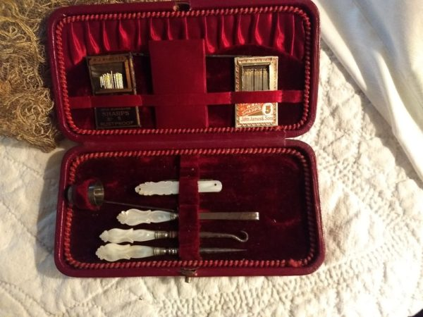 Victorian Edwardian Sewing Kit Etui Box Mother Pearl Tools Simon Thimble