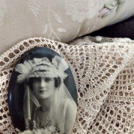 1920s Celluloid Photo Pocket Mirror Antique Vintage Bride