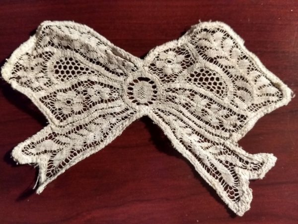 Antique Lace Bow Applique Floral Design Antique 1920