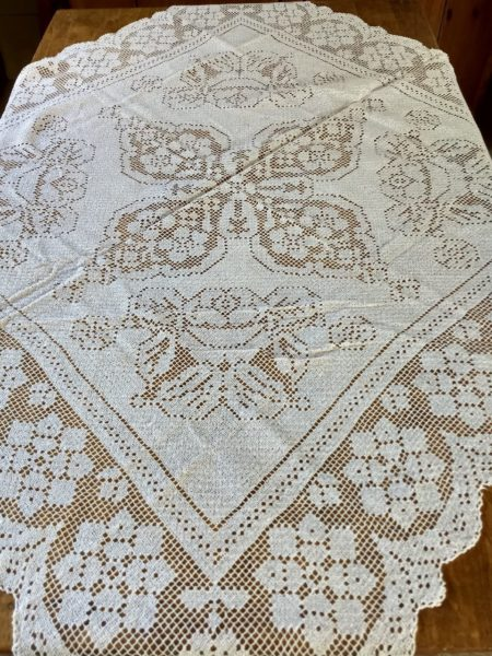 Hand Made Lacis Knotted Darn Net Vintage Lace Tablecloth 1920's 1930's