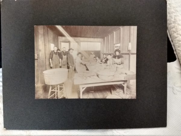 Early 1900s Photograph Inside Laundry Business People Wash Tubs