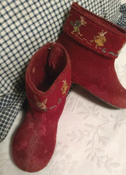 Children Red Bed Slippers Vintage 1950s Uncle Wiggly Rabbit Bunny Character