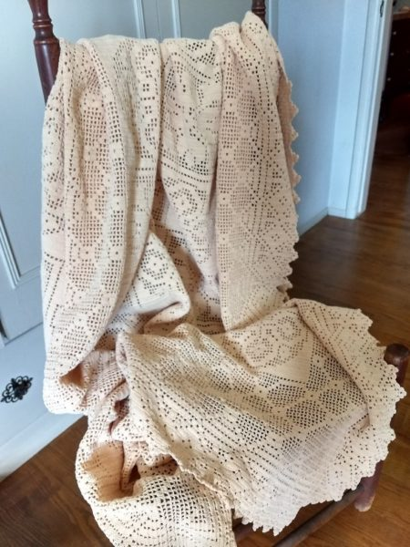 Vintage Hand Crochet Coverlet Tablecloth Ecru Throw 1920s 1930s