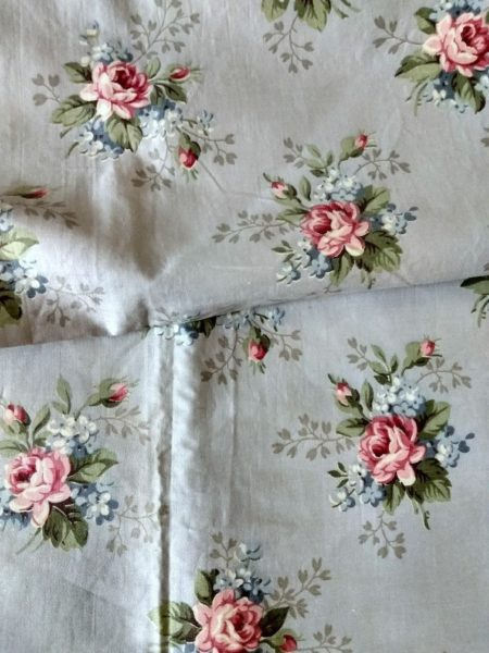 Vintage 1940's Remnant Fabric Curtain Panel Pink Roses Bouquet Flowers Washed Chintz Crafts
