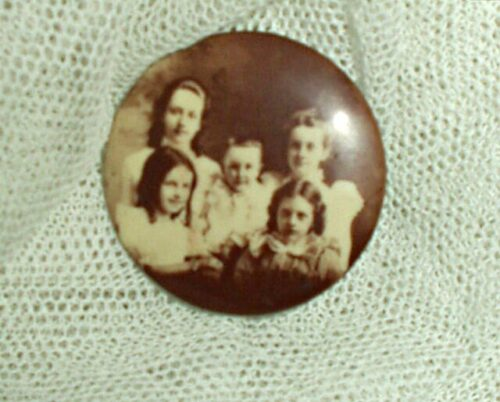Vintage Victorian 1900 Celluloid Photo Pin Back 5 Girl Sisters